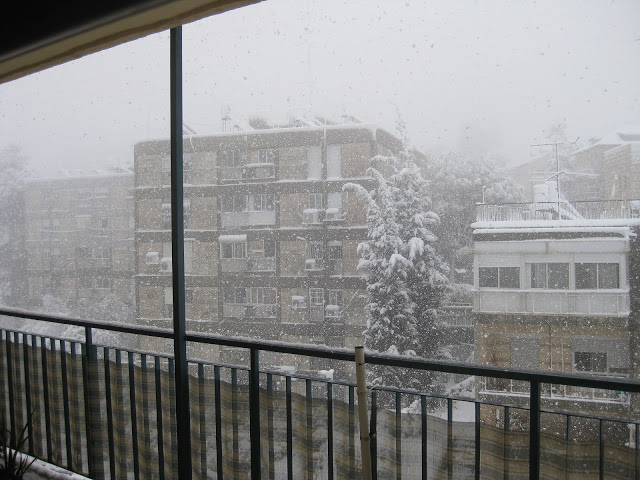 Snow in Jerusalem. Photo by Anat Mooreville, 2013.