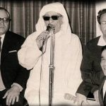 Photo of Rabbi Buzaglo singing