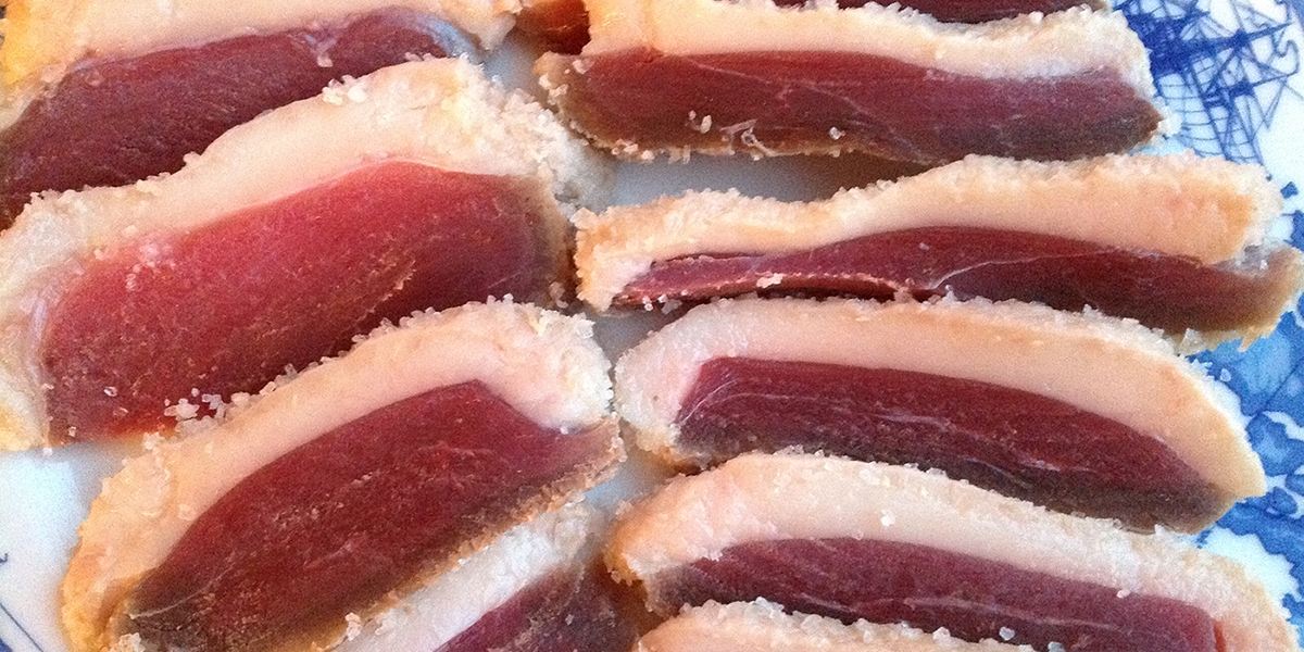 Cured goose or duck bears a resemblance to salted pork. The recipe is based on Sephardic Jewish recipes from the Inquisition era.