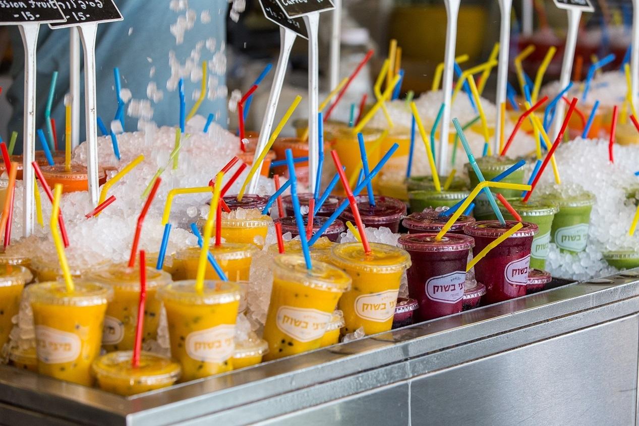 Fruit drinks with Hebrew