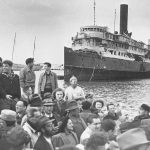 Migrants at an Israeli port in the early twentieth century